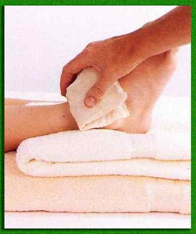 Как сделать компресс на травму голеностопа