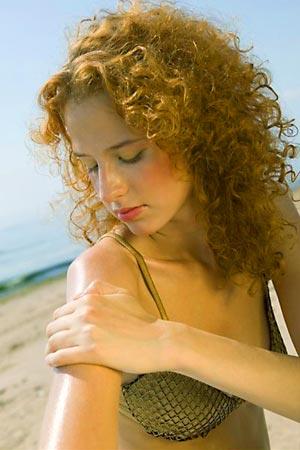 Что делать, если сгорела кожа? Как лежить ожоги? Медицинские советы. Фото с сайта (с) www.da-med.ru